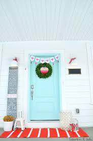 Decorate Porch For Valentines Day by Four Ways To Decorate Your Door For Valentine U0027s Day