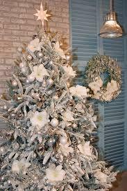 colin cowie christmas 02 17 rustic ideas plum pretty sugar christmas tree ornament