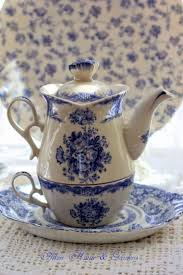 437 best teapots blue u0026 white images on pinterest tea pots tea