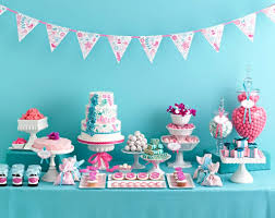 50 lindas decoraes para ch de beby menina baby shower table within