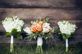 rustic wedding bouquets rustically vintage barn wedding