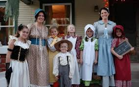 Halloween Costume Themes For Families by Scare Up Some Fun With A Halloween Group Costume Theme The