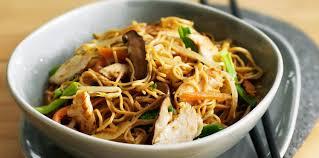 comment cuisiner les nouilles chinoises nouilles chinoises sautées au porc facile et pas cher recette sur