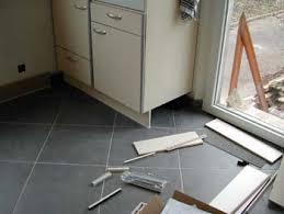fixation plinthe cuisine la cuisine prend forme notre maison chantier jour après jour