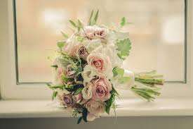 wedding flowers kildare 22 beautiful autumn wedding bouquets for brides weddingsonline