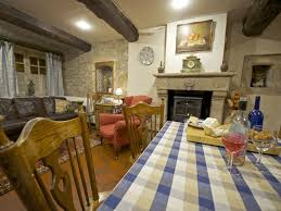 fr7606 14th century self catering house gite in the heart