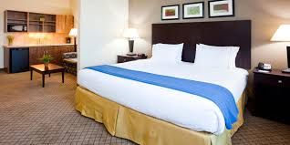 holiday inn express suites mankato east hotel by ihg holiday inn express and suites mankato 2532492838 2x1