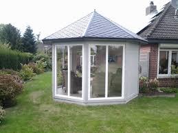 Schlafzimmer Bodentiefe Fenster Gartenpavillon In Grau Und Weiß Mit Bodentiefen Fenstern