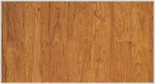 Mahogany Laminate Flooring Pergo Xp Peruvian Mahogany Laminate Flooring Flooring Home