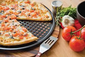 amazon com fox run 4491 pizza crisper pan carbon steel non