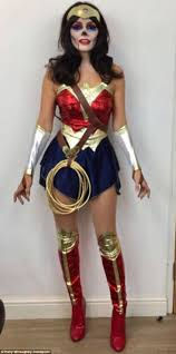 Wonder Woman Costume Holly Willoughby Flaunts Her Curves In Halloween Costume Daily