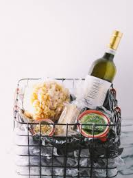 Holiday Food Baskets How To Build Ultimate Food Lover U0027s Holiday Gift Basket