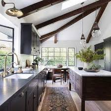 what to do with brown kitchen cabinets chocolate brown kitchen cabinets design ideas