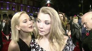 Natalie Dormer Love Scene Jennifer Lawrence And Natalie Dormer Kiss At Hunger Games Premiere