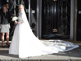 chelsea clinton wedding dress chelsea clinton attends nicky s wedding to rothschild