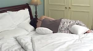 cuscini per dormire bene come scegliere il cuscino per dormire bene materassi matrimoniali