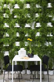 garden inspiring wall design and decoration using living garden