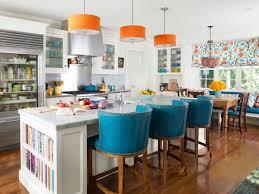 cuisine coloré 10 tabourets colorés pour égayer votre bar de cuisine bricobistro