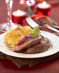 cuisiner la biche recette cuisson du rôti de biche pour les fêtes 750g