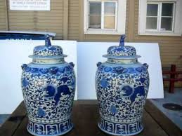 blue foo dogs pair blue and white general vase jar with foo dog w450