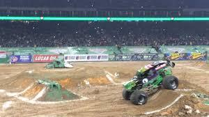 grave digger monster truck youtube stadium gravedigger monster truck show houston jam jan freestyle