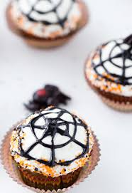 spiderweb cupcakes pumpkin spice cupcakes with maple cream cheese