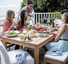 outdoor entertaining festive table decor for outdoor entertaining