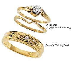 yellow gold wedding ring sets cross wedding ring set in yellow gold 1381set