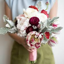 Flower Centerpieces For Wedding Diy Wedding Decor Five Tips For Arranging Your Own Bouquets And