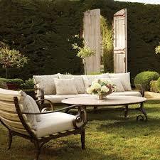 passe partout canapé plus de 100 idées de salon de jardin en résine bois ou métal