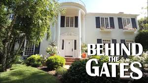 southern colonial house gary gold tours a beautiful southern colonial in beverly hills