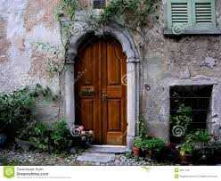 arched entrance door tuscany italy stock images image 3237134