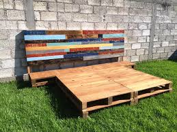 Diy King Size Platform Bed Frame by Diy Pallet Bed Frame With Headboard 99 Pallets