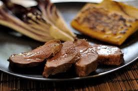 cuisiner un filet de canard recette magrets de canard marinés à la moutarde et au miel