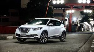 nissan kicks 2017 red nissan kicks sl 1 6 16v 2016 review by car magazine