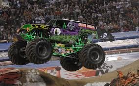 purple grave digger monster truck p 311 grave digger wallpaper grave digger widescreen pics