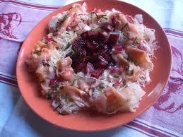 cuisiner choucroute crue salade hivernale choucroute crue betterave et truite fumée