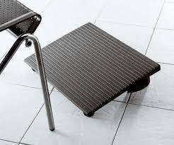 pose pied bureau repose pied de bureau excellent fauteuils t te t te de jardin