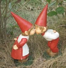 china non toxic polyresin handicraft garden gnomes for wedding