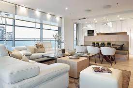küche im wohnzimmer wandfarbe cremeweiß für moderne atmosphäre wohnzimmer und offene