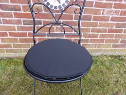 Round Chair Cushions Round Bistro Chair Cushions Outdoor Home Decorating Ideas And Tips