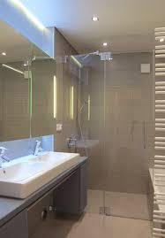 kleines bad fliesen naturfarben haus renovierung mit modernem innenarchitektur schönes kleines