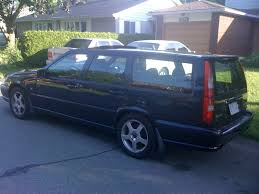 the 2000 v70r was available in the us in the following colors