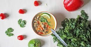 cuisiner citronnelle soupe thaï lait de coco et citronnelle aux légumes une tom kha kaï