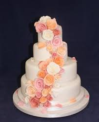 affordable wedding cakes best 25 budget wedding cakes ideas on budget wedding