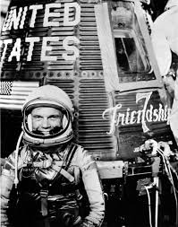 Seeking Altyazä Astronaut H Glenn Jr With Mercury Friendship 7 Spacecraft