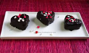heart shaped red velvet cake pops eggless foodnspoons foodnspoons