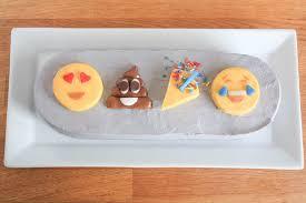 wedding cake emoji rock wedding cakes that really crank up the volume