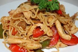 cuisiner des pates chinoises nouilles chinoises au poulet tchop afrik a cuisine