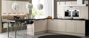 belles cuisines traditionnelles les plus belles cuisines contemporaines maison design bahbe com